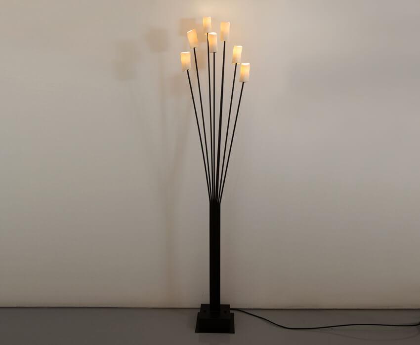 Amorphos Light Stand
